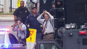 AP_navy_yard_washington_shooting_reactions-thg-130916_16x9_992