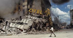 El Hotel Regis, derrumbado.